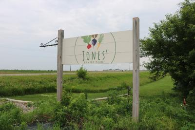 Jones Family Farm Sign