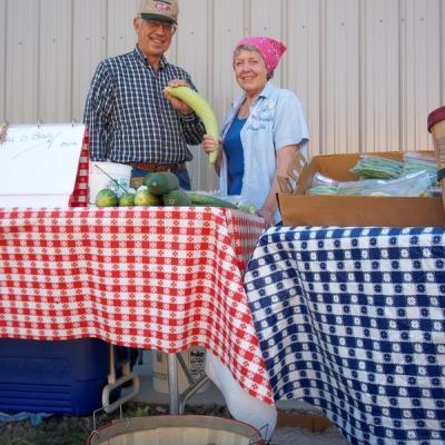 Farmers Market: Farm Stands
