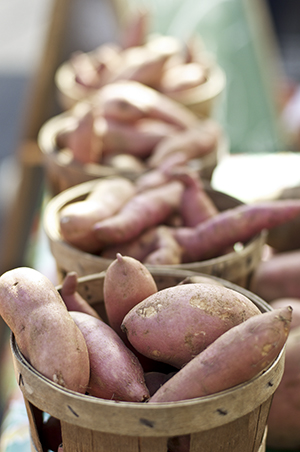 Sweet Potatoes by antorao613/stock.adobe.com.