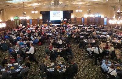 Iowa Organic Conference crowd.