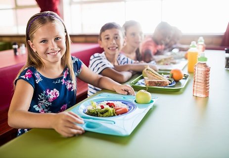 students eating school lunch by WavebreakmediaMicro/stock.adobe.com.