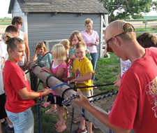 Image of youth in 4-H activity