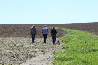Agronomy in the Field Participants in the Field, Kanawha, IA 2015